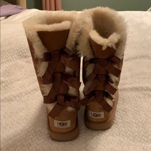 Ugg bow boots